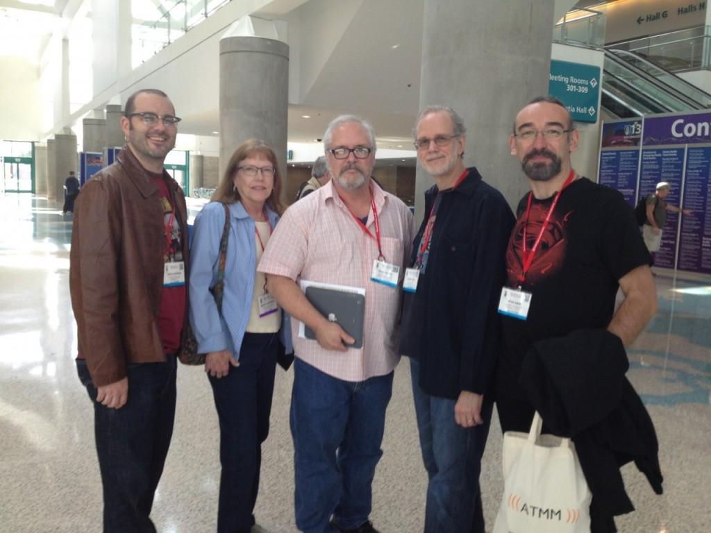 Ufuk Önen ve Bob Katz (sağdan ikinci). Elimdeki çantaya dikkat! :)